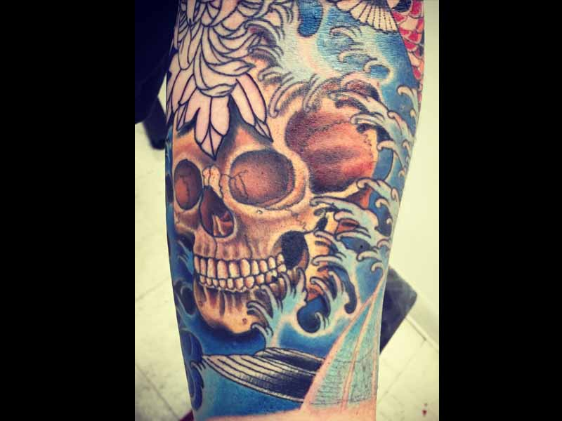 skull tattoo waves tattoo japanese tattoos